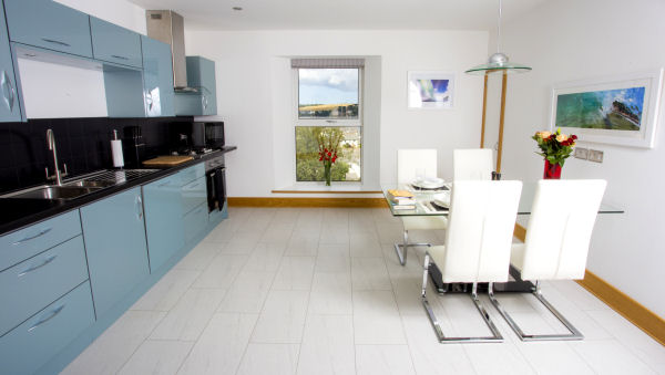 Oceanic_Hotel_Falmouth_Morwenna_Suite_Kitchen